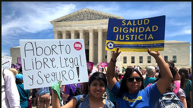 MUJERES. Según activistas la administración Trump está incitando a las legislaturas estatales a debilitar los derechos civiles y reproductivos de las mujeres.