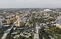 ANUNCIOS. En Miami-Dade el toque de queda opera entre las 11 de la noche y las 6 de la mañana de domingo a viernes, y entre la medianoche y las 6 de la mañana el fin de semana.