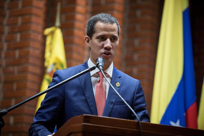 VENEZUELA. Fotografía de archivo del 24 de mayo de 2019, muestra al jefe del Parlamento venezolano, Juan Guaidó, reconocido por más de 50 países como presidente interino, durante su participación en un foro acerca del Plan País, en Caracas
