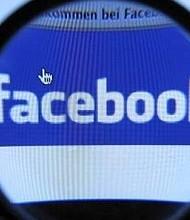 TECNOLOGÍA. Los accionistas demandaron a Facebook en septiembre pasado para obtener registros relacionados con Cambridge Analytica y otras infracciones y dijeron que al encontrar irregularidades, podrían demandar a los funcionarios y directores de la compañía a través de la llamada demanda derivada.