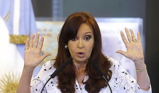 ACUSACIÓN. Según trascendió, la senadora justificó su ausencia en la necesidad de acudir a una reunión convocada por el presidente de su bloque en la Cámara, el senador Marcelo Fuentes.