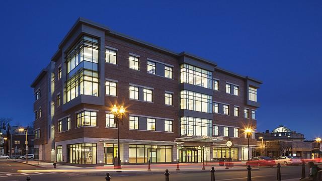El edificio del East Boston Neighborhood Health Center en East Boston