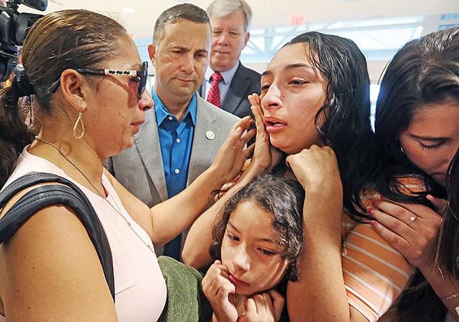 ICE analiza plan  para deportar familias completas