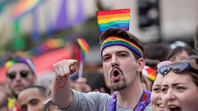 LOCALES. Imagen de septiembre de 2019 durante el desfile parte del Fin de Semana del Orgullo, en la Capital de DC para celebrar a la comunidad LGBTQ. | Foto: ERIK S. LESSER/EFE.