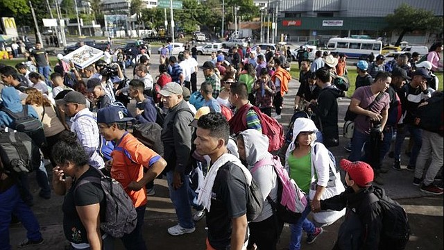 """PROCESOS. Cuccinelli fue designado por el presidente de EEUU, Donald Trump, para liderar una agencia que cuenta con más de 19 mil empleados y que manejó en 2018 """"más de 8,7 millones de solicitudes para recibir beneficios de inmigración"""", señaló la propia oficina en un comunicado."""