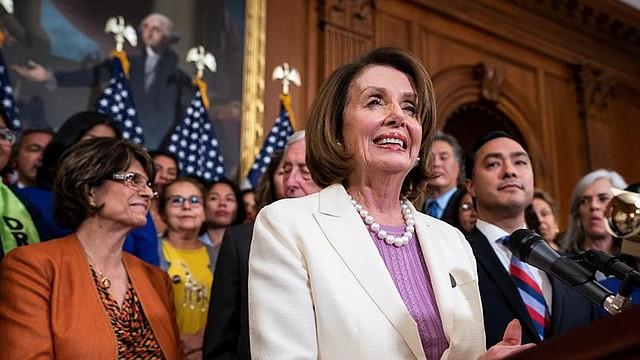 POLÍTICA. La presidenta de la Cámara de Representantes de Estados Unidos, la demócrata Nancy Pelosi, ofrece este martes una rueda de prensa en el Capitolio, en Washington