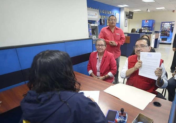 El FMLN alega calumnia y pide antejuicio para Nayib Bukele