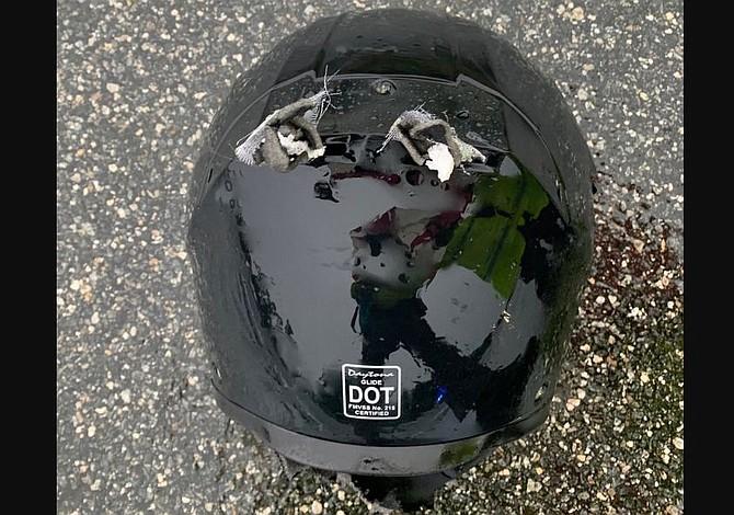 Murió un motociclista tras ser golpeado por un rayo mientras conducía