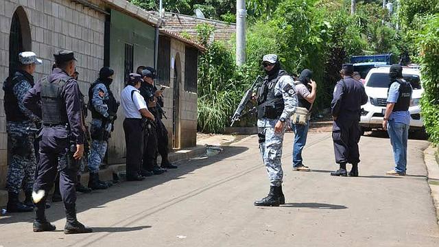 EL SALVADOR. Las pandillas han asesinado a 22 policías este año.