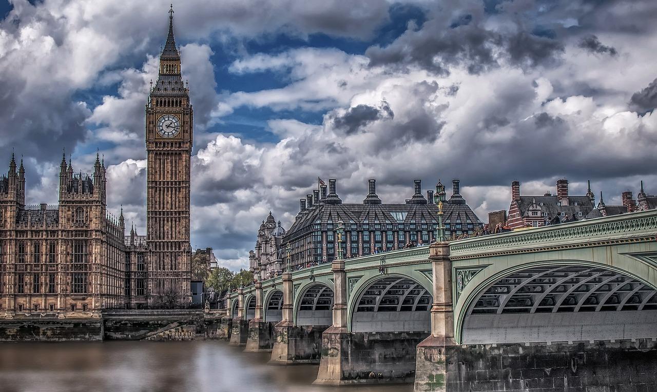 REINO UNIDO. Foto del centro de Londres tomada desde el río Támesis.
