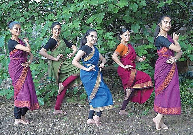 Danzas en honor (y a favor) de la Madre Tierra