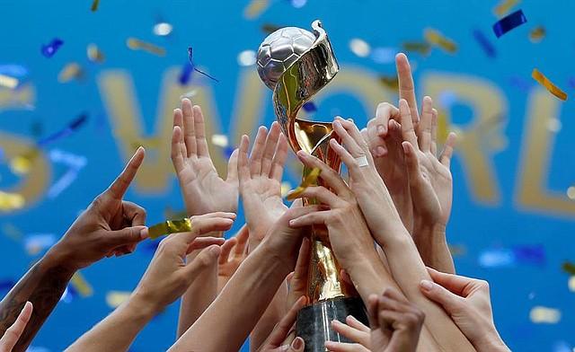 FÚTBOL. El equipo de EE.UU. celebra después de ganar la final de la Copa Mundial Femenina de la FIFA 2019 entre EE.UU. y Holanda en Lyon, Francia