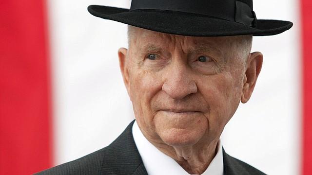 MUERTE. Tras no poder superar la leucemia que padecía desde hacía unos meses, Perot murió a los 89 años en la ciudad de Dallas, informó el portavoz de la familia, James Fuller.