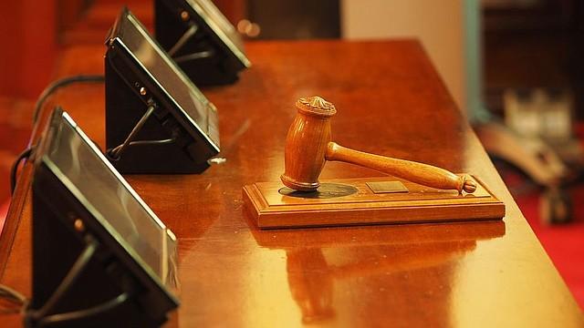 JUDICIALES. Imagen de referencia de un juzgado. | Foto Pixabay.