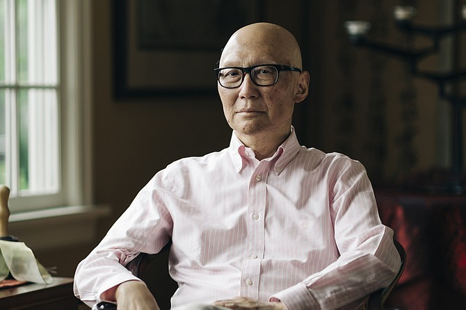 Al doctor Ron Naito, internista en Portland, Oregon, se le diagnosticó cáncer de páncreas en estadio 4 en agosto de 2018. Su médico no confirmó el diagnóstico terminal, aunque Naito leyó los resultados de las pruebas y entendió lo que querían decir. (Michael Hanson para KHN)