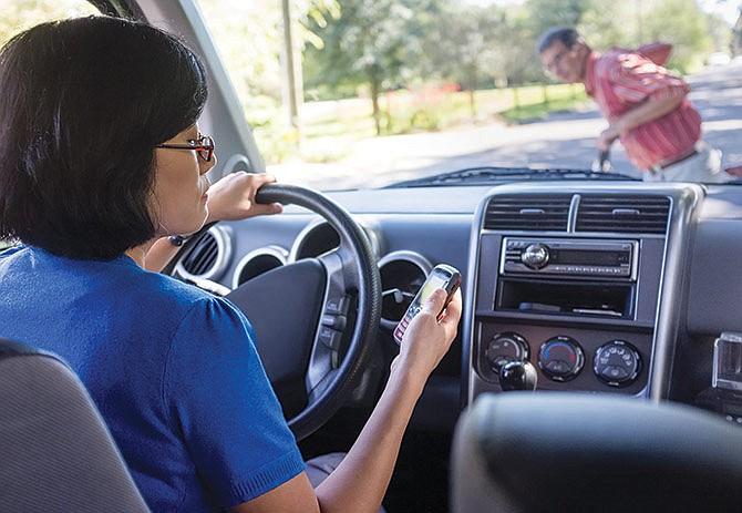 Maneje su auto con seguridad y prudencia