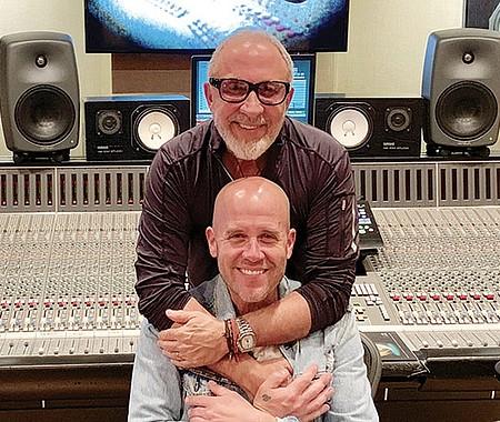 PROYECTO SER HUMANO. Gian Marco y Emilio Estefan vuelven a trabajar juntos. El productor cubano presentó la canción 'Yo no soy diferente', que interpreta el cantautor peruano.