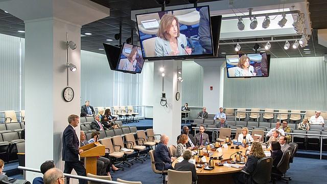 REUNIÓN. NRC Director Ejecutivo de Operaciones Doane informa a la Comisión sobre la Revisión de la Acción de la Agencia - 20 de junio de 2019