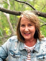 Mary Kay Gilbert, quien es enfermera, se sorprendió cuando, durante una cita con su doctor, éste le dijo cuánto iba a pagar de su bolsillo por un antibiótico. (Cortesía de Mary Jay Gilbert).