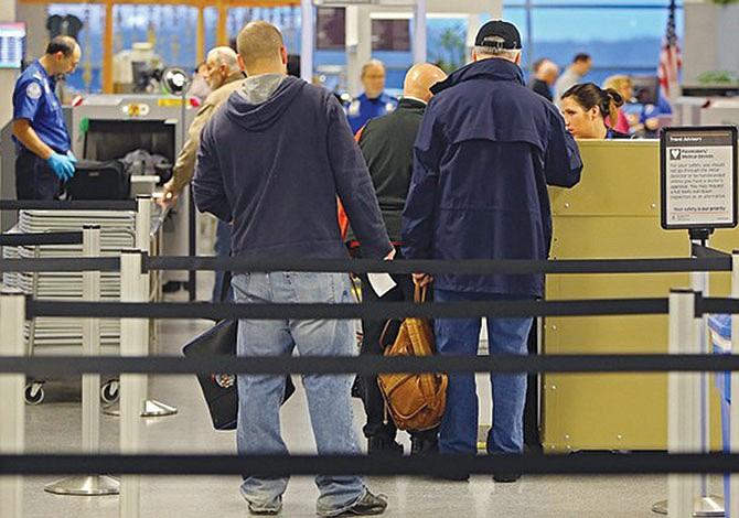 CBP no puede exigir identificaciones a pasajeros de avión