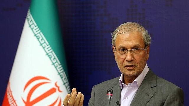 MUNDO. El portavoz del gobierno iraní Ali Rabiei habla con los medios de comunicación durante una conferencia de prensa en Teherán
