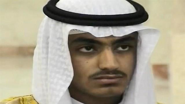 MUNDO. Una captura de pantalla de un vídeo no fechado y puesto a disposición por la Agencia Central de Inteligencia (CIA) muestra a Hamza bin Laden, el hijo del difunto líder de Al Qaeda Osama bin Laden