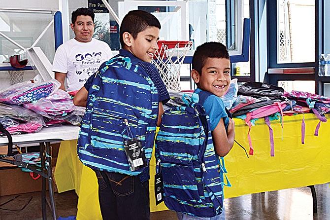 Un festival lleno de útiles escolares y premios