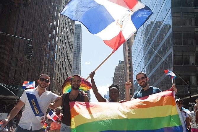 LATINOS. Desfile de la comunidad LGBTQI en NY
