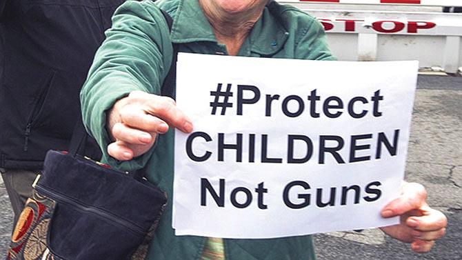 Más de doscientos alcaldes piden control de venta de armas