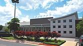 NUEVO. La foto del edificio que será el próximo campus de Valor Public Schools. Antes fue local del Virginia College.