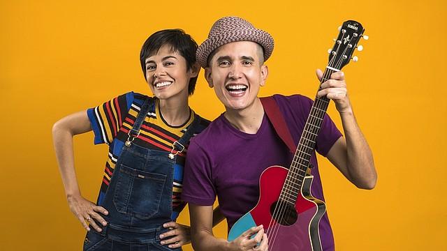 MÚSICOS. La banda 123 Andrés, conformada por Andrés Salguero y Christina Sanabria, tocará gratis el 7 de septiembre.
