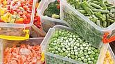 EN LA CONGELADORA. Los especialistas no aconsejan el uso de recipientes de plástico para almacenar la comida. En el caso del arroz, es recomendable usar envases de vidrio para prevenir el crecimiento de bacterias.