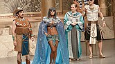 CÓMICO. Escena de la obra teatral 'Cleopatra metió la pata' que el público del Centro de Texas podrá apreciar a fines de septiembre.