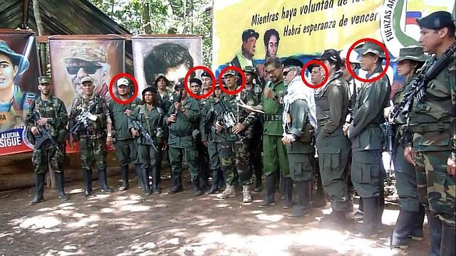 PARAMILITARES. Imágenes del mensaje de Márquez y un grupo de disidentes de las Farc / Foto: Semana