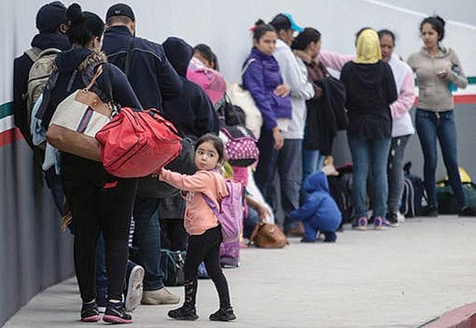 Se incrementa el número de solicitantes de asilo que esperan en México