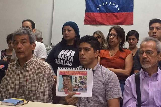 DENUNCIA. Más de 50 ONG de DDHH se solidarizan con Vásquez, quien denuncia el allanamiento de su casa en Barquisimeto, estado Lara, Venezuela, a mediados de 2017. | Foto: FUNPAZ AC.