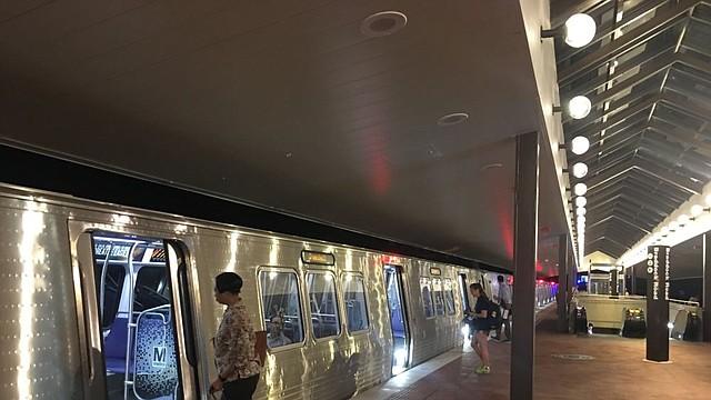TRANSPORTE. Imagen del interior de una estación de Metro de DC. | Foto Twitter @wmata