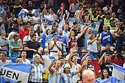 FANATICADA. La hinchada argentina apoyó desde el primer juego a los suyos / EFE