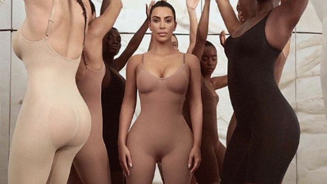 SHOW. Kim lanzó las fajas junto a sus hermanas Khloe Kardashian, Kylie y Kendall Jenner
