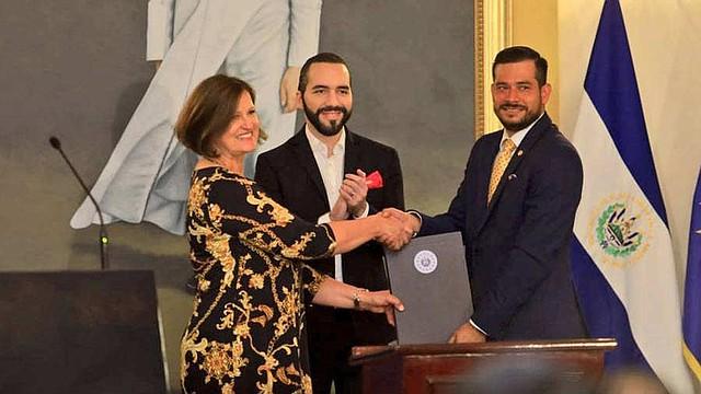 EL SALVADOR. Bukele dio declaraciones tras firmar convenio con Jolita Butkeviciene
