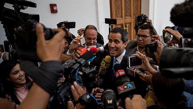 NEGOCIACIÓN. El presidente encargado Juan Guaidó, reiteró la propuesta que llevó su delegación a la negociación auspiciada por el Reino de Barbados e urgió la necesidad de un cambio en el país, el cual, según su propuesta, se lograría a través de un consejo de Gobierno.