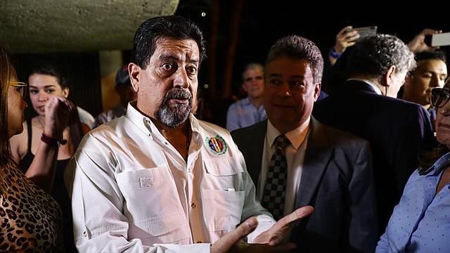 EXCARCELACIÓN. Pasadas las 8.30 de la noche, a la residencia de Zambrano llegó el presidente interino Juan Guaidó para sostener un encuentro con el parlamentario luego de la medida del régimen de liberarlo.