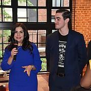 PRESIDENTA. Angelique Sina, presidenta de Amigos de Puerto Rico junto a Eduardo Bacardí, representante de Ron del Barrilito. (FOTO: Tomás Guevara)