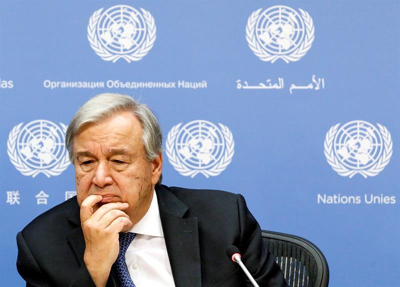 """REUNIÓN. El diplomático instó a los países a que se comprometan más a combatir el cambio climático porque el mundo está """"perdiendo el desafío"""" para evitar los desastres a nivel global."""