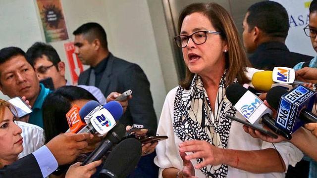 EL SALVADOR. La canciller Alexandra Hill compartió la información a todos lo medios