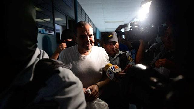CRIMEN. La pena de dos años de cárcel impuesta a Antonio Saca se le sumará a la condena de 10 años que purga, desde septiembre de 2018