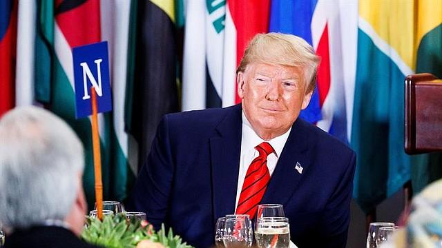 JUICIO. El Presidente de los Estados Unidos, Donald J. Trump al comienzo de un almuerzo anual para los Jefes de Estado al margen del debate general del 74º período de sesiones de la Asamblea General de las Naciones Unidas en la Sede de las Naciones Unidas en Nueva York