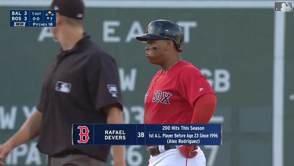 Rafael Devers es el pelotero más joven sobre 200 hits en una temporada desde que lo hizo Alex Rodríguez hace dos décadas / Captura MLB Network