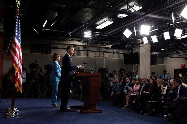 POLÍTICA. La Cámara Baja impulsa una investigación previa a un posible juicio político a Trump que conlleve a su destitución. | Foto: Efe/MICHAEL REYNOLDS