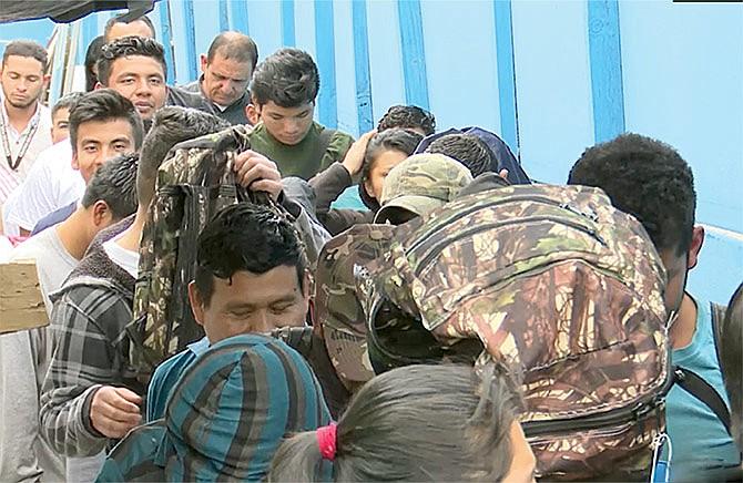 Frenan plan para acelerar deportaciones
